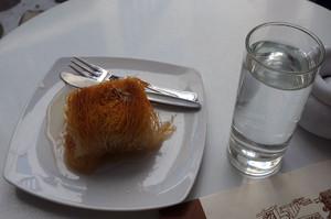 喫茶店ポポロのアーモンド菓子