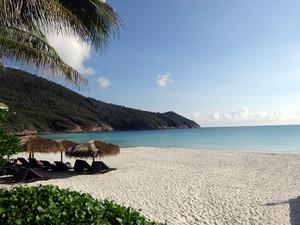 ビーチはやっぱり白い砂