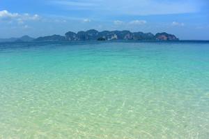 ポダ島のビーチ