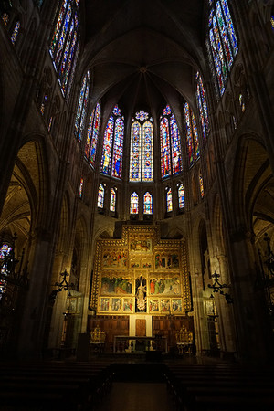 レオン大聖堂の美しいステンドグラス