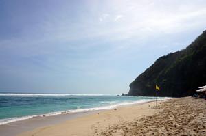 Sundaysビーチ