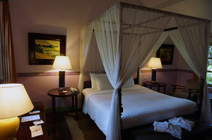 居心地のよいホテルの部屋