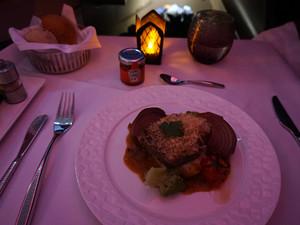 カタール航空機内食